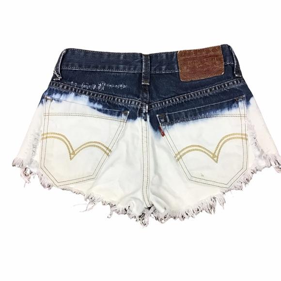 Women's Levi's Short Shorts
